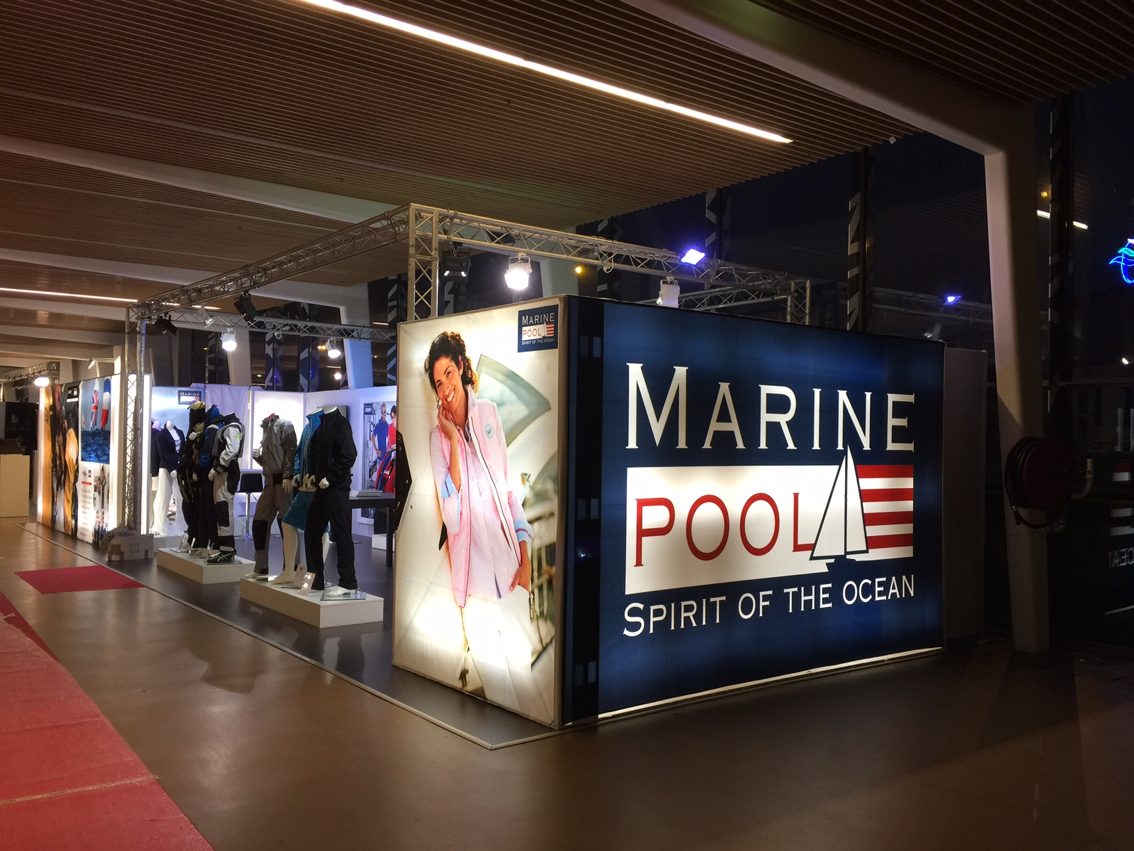 Marinepool auf der Messe Paris (Salon Nautic)